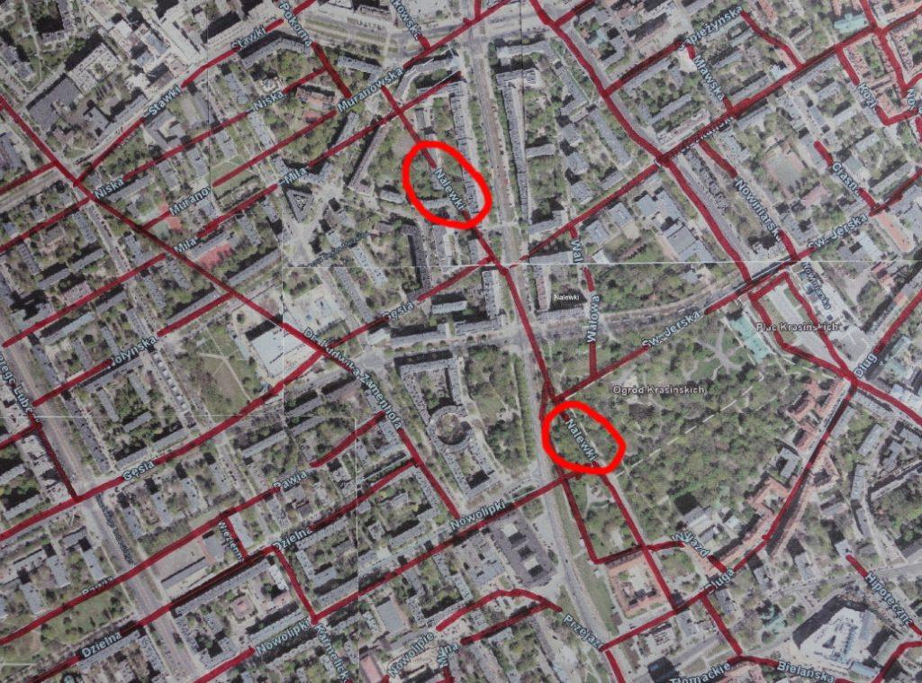 Luftbild heutiges Muranów, überlagert mit Vorkriegs-Strassenraster (Bearbeitung: Polen.pl)