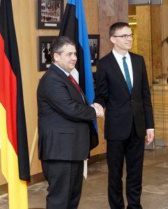 Die Außenminister Gabriel und Mikser in Tallinn, 1.3.17 (Foto: flickr / EstMFA / CC-BY)