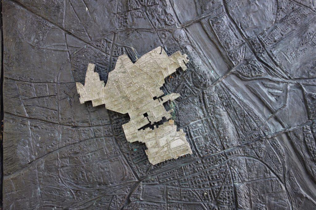 Ein Relief mit dem Ausmass des Warschauer Ghettos (Foto: Polen.pl)