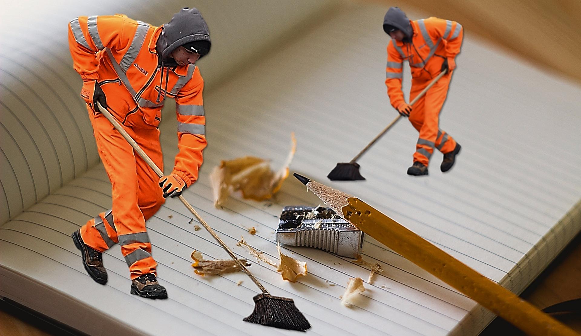 Notizblock und Reinigung. Quelle: Pixabay, AxxLC