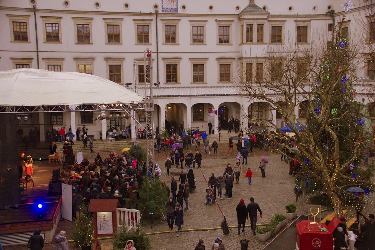 Weihnachtsmarkt im Szczeciner Schloss begeisterte