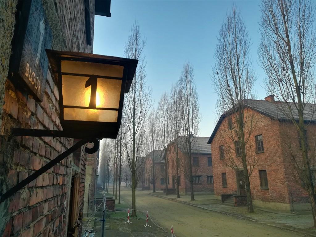 Block 1 im auf dem Gelände des ehemaligen Konzentrationslagers Auschwitz-Birkenau. © René Wennmacher