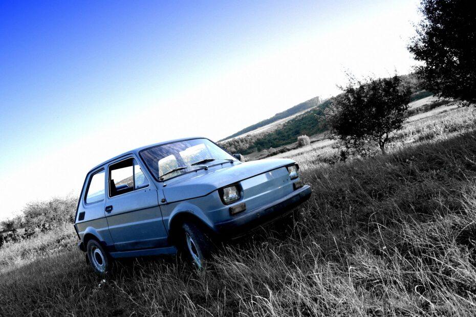 Polski Fiat. Image by Rúben Gál from Pixabay